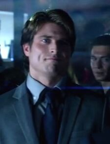 Arrow 1x03 013