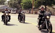 Sons of Anarchy 1x01 001
