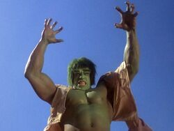 Incredible Hulk 1x01 004