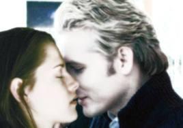 File:Bella and Carlisle kissing.png