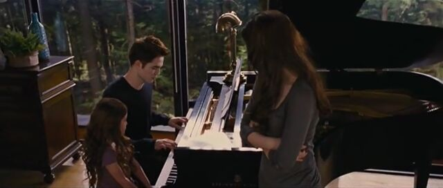File:Bella-edward-renesmee-piano.jpg