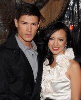 RYwv9-alex and wife Kim