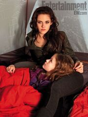 The-Twilight-Saga-Breaking-Dawn-Part-2-4-450x600