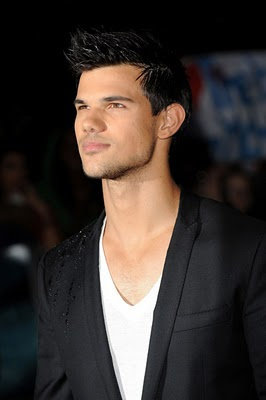 File:1-taylor-abduction-movie-2011.jpg