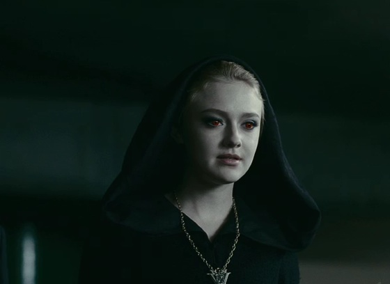 File:Twilight-eclipse-dakota-fanning-13-5-10-kc.jpg