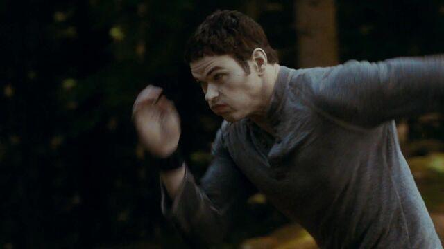 File:Emmett-Fight-Training-Clip-Screencaps-emmett-cullen-13923210-1920-1080.jpg