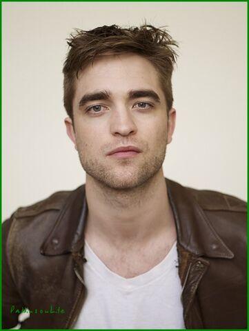 File:Robert Pattinson 113.jpg