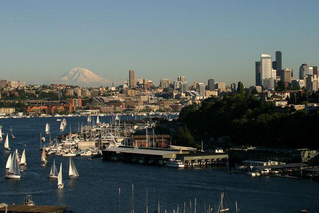 File:SeattleLakeUnion.jpg