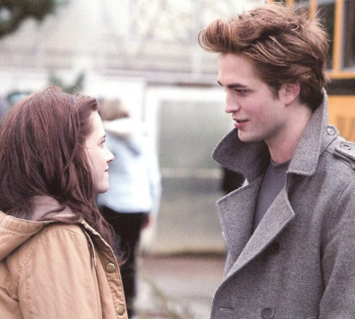 File:Bella-edward-bus-1.png
