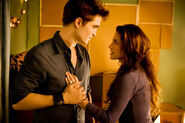 Breaking dawn still-20202