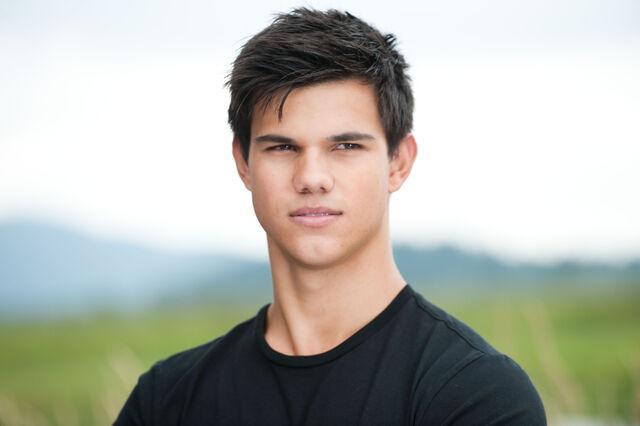 File:Hot Taylor.jpg