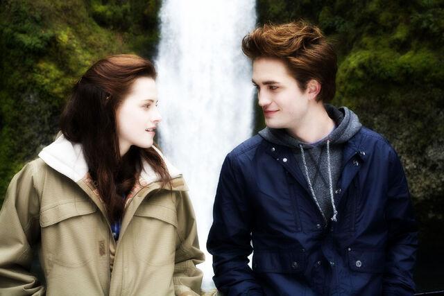 File:Edward and Bella Cullen.jpg