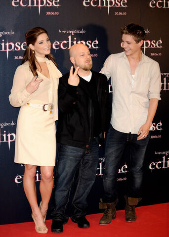 File:Twilight Saga Eclipse Madrid Photocall 4jns7lbI3Cl.jpg
