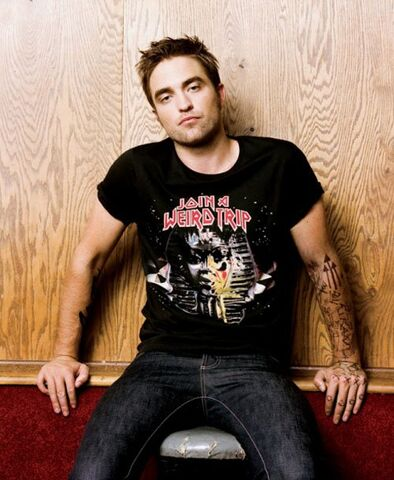File:Robert-pattinson-blackbook-0912- (9).jpg