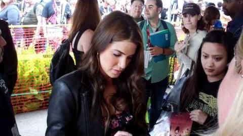 Nikki Reed signing Comic Con