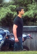 Taylor-on-Set-Eclipse-September-9-jacob-black-8082590-415-610