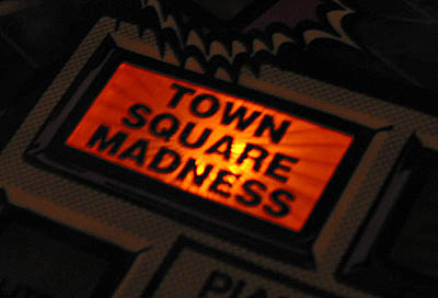 File:Twilight Zone Pinball Machine-11-504.jpg