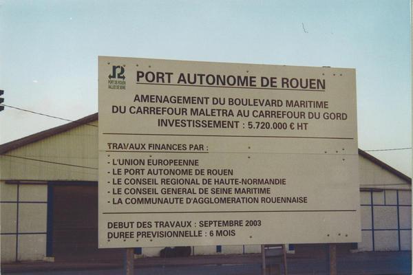 File:Port de rouen.jpg