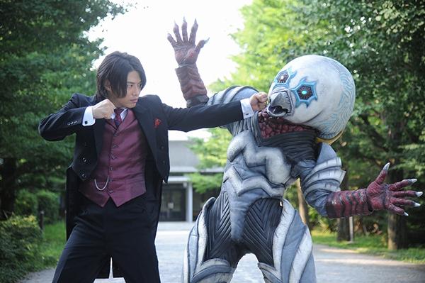 File:Juglus vs alien guts.jpg