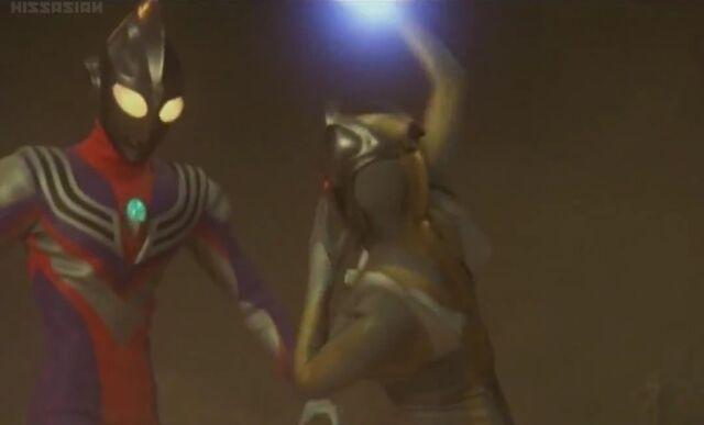 File:Image Tiga Blast vs Kamia.jpeg