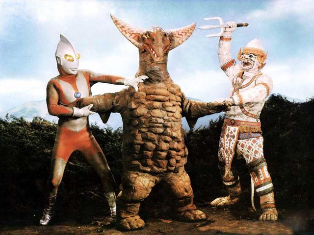 File:Gomora v Ultraman & Hanuman.png