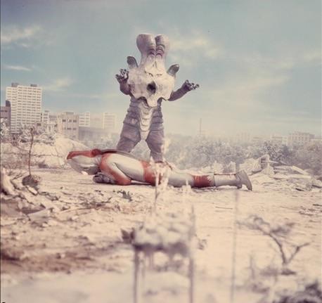 File:Ultraman Jack vs Alien Varduck.jpg