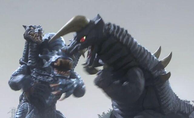 File:Ultraman Ginga-Black King and Dark Galberos Screenshot 002.jpg