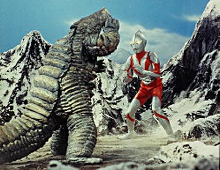 File:Red king II v Ultraman.png