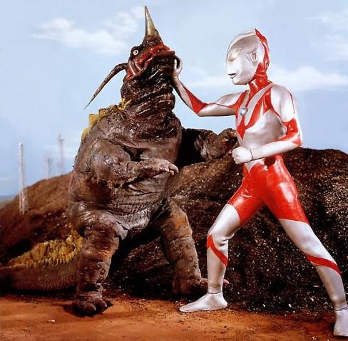 File:Ultraman hayata vs neronga.png