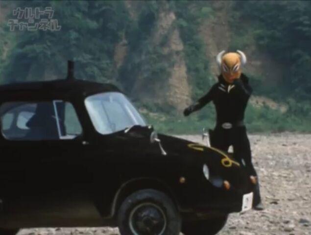 File:Dark an Car.jpeg