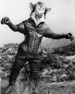 Alien Mefilas bw concept