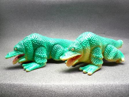 File:Gamakujira toys.jpg
