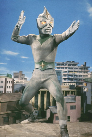 File:Mirrorman in city.png