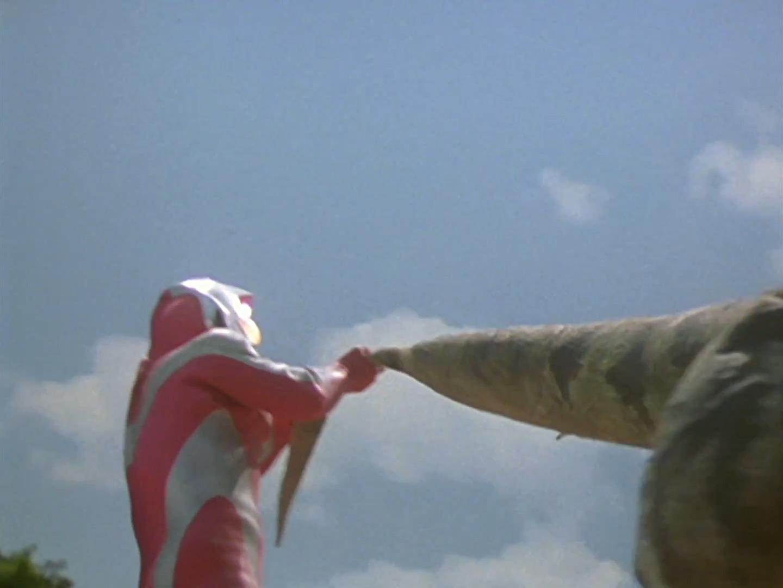 File:Ultraman Dyna Vulcan Swing.jpg