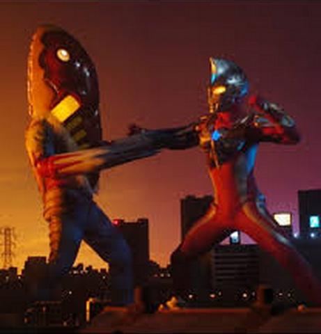 File:Alien Metron Max v Ultraman Max.png
