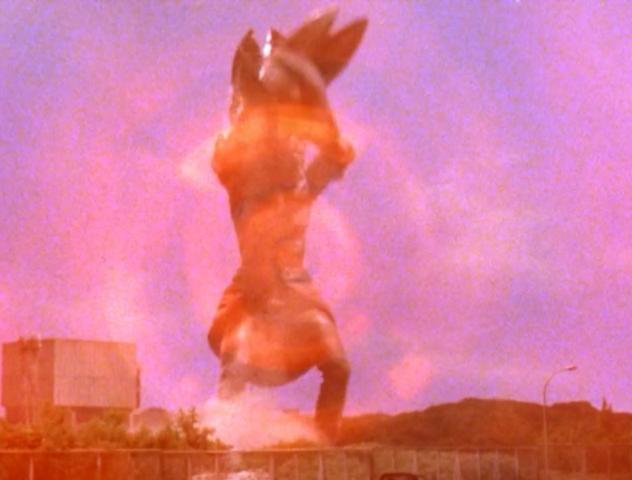 File:Alien Baltan Size Change.png