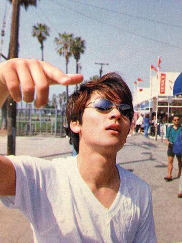 File:Hiroshi ''glass''.jpg
