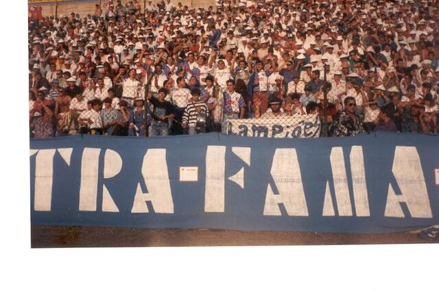 File:Ultra Fama Boys (Famalicгo).jpg