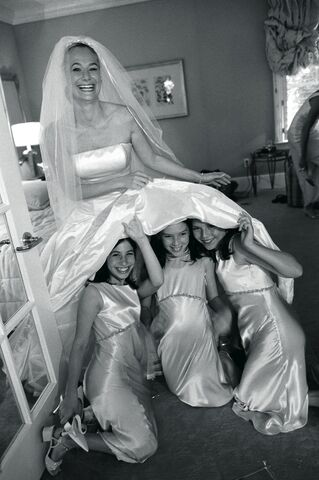 File:Girls Under Wedding Dress.jpg