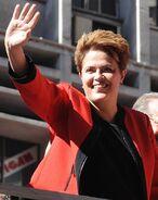476px-Dilma-julho2010