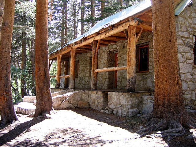 File:ChaneyHighSierraHouseFrontView.jpg