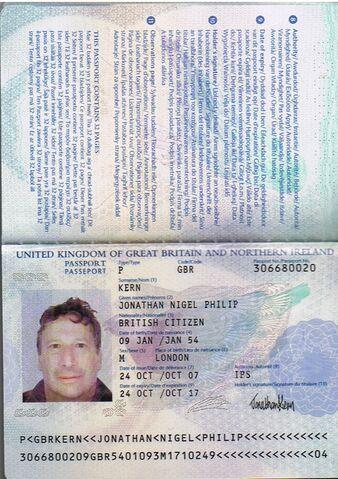 File:Kern Passport 09Jan54.jpg