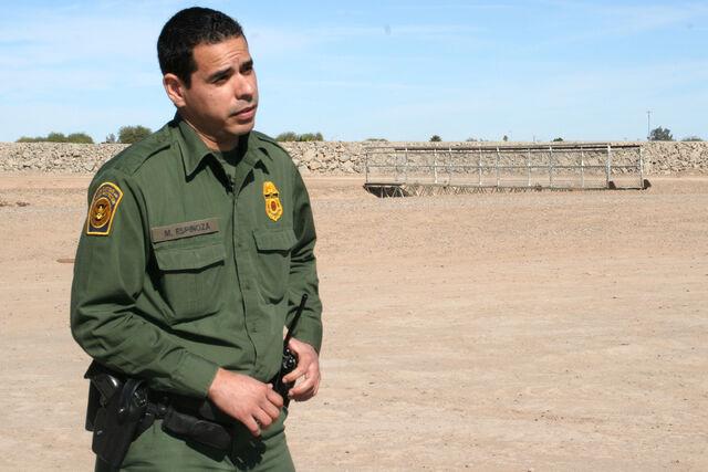 File:31-border-officer-full.jpg