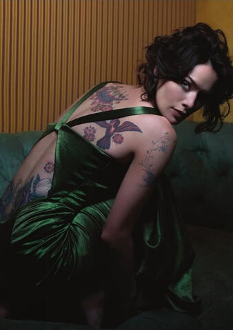 File:Amy tatts.jpg