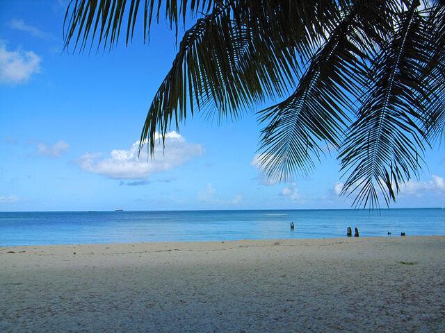 File:Baai en strand.jpg