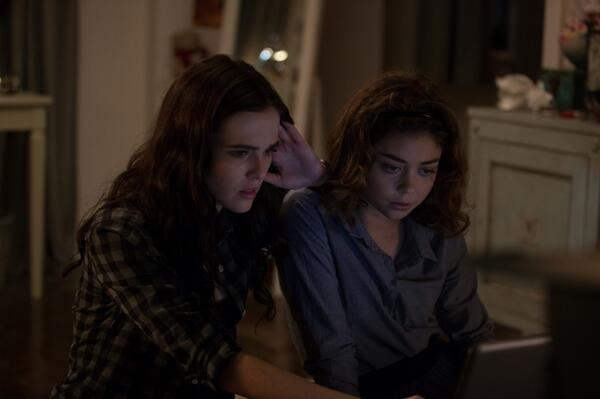 File:Rose and Nat watching laptop.jpg