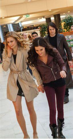 File:Rose, Lissa and Dimitr.jpg