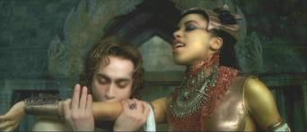 File:Lestat feeds from Akasha.jpg