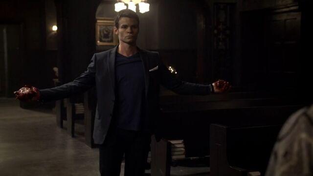 File:Elijah 8 TO 1x06.jpg