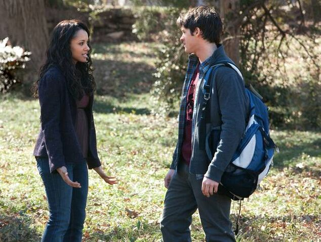File:The-vampire-diaries-2x17-know-thy-enemy-bonnie-bennett-jeremy-gilbert-promo-02 mid.jpg